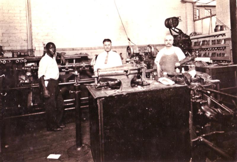 Modern Electric Shoe Repairing - Rosselli Bros - USA possibly Ohio.jpg