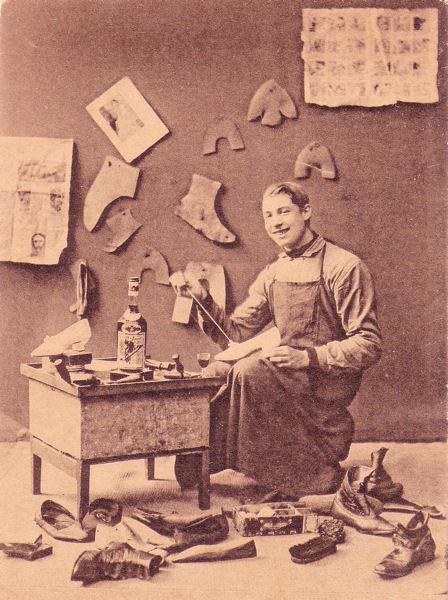 Shoe Maker - Antwerp, Belgium - 1909.jpg