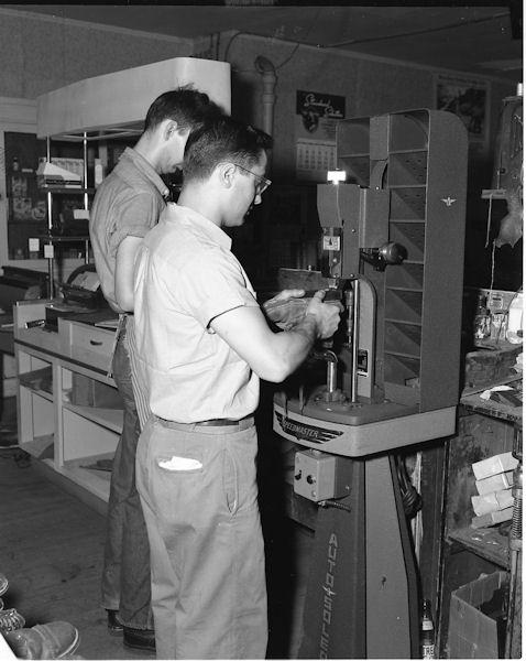 Bucchi & Sons   USA   1957   Autosoler