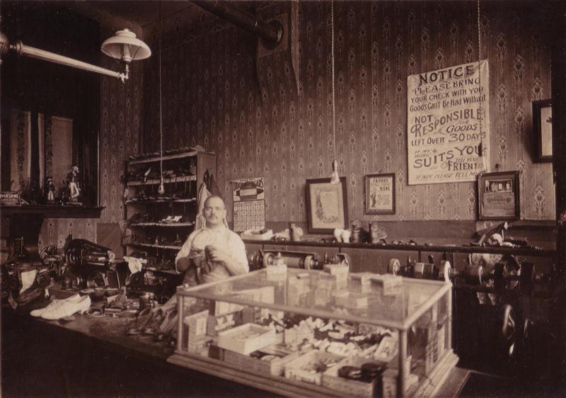 Unknown Shop 1921.jpg