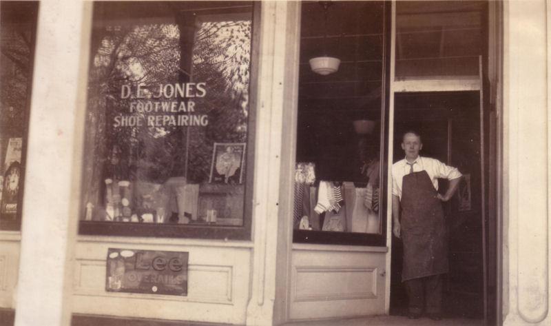 D E Jones   Granville, Ohio