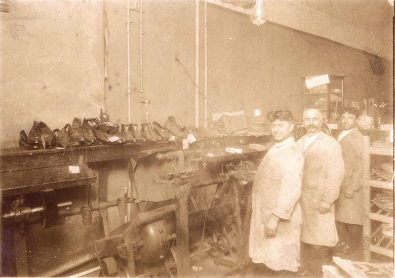 Modern Electric Shoe Repairing - Rosselli Bros - USA possibly Ohio2.jpg