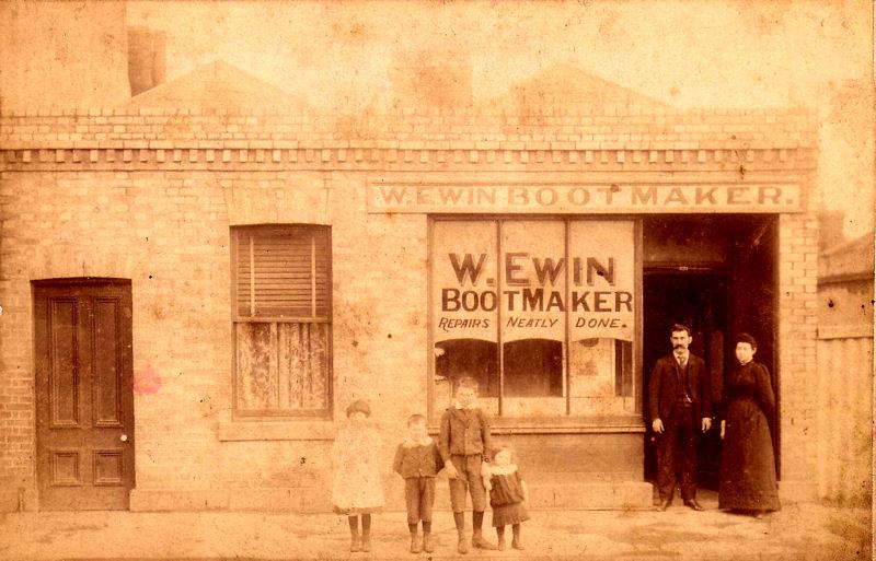 W Ewin Bootmaker - St Kilda, Australia - 1894.jpg